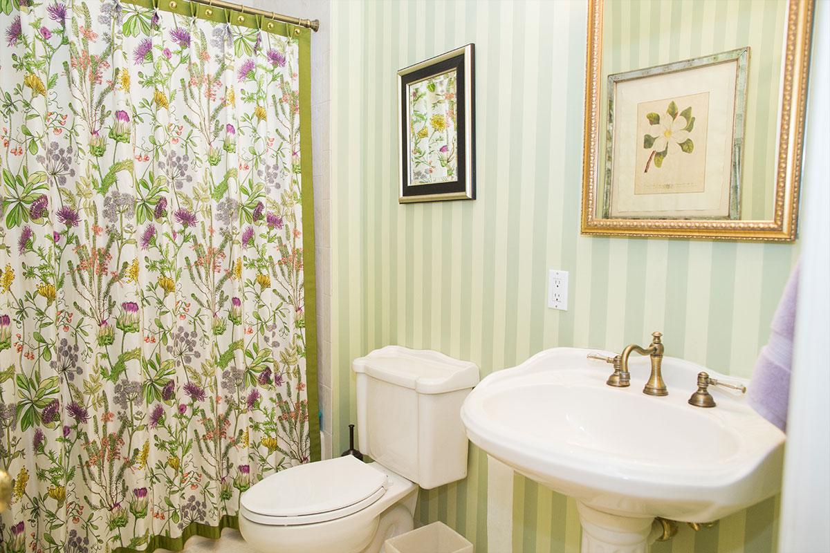 LoisRapiel_Interiors_bathroom_13
